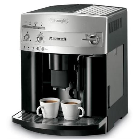 De Longhi ESAM 3100 SB s mlýnkem na kávu, černo/ stříbrné
